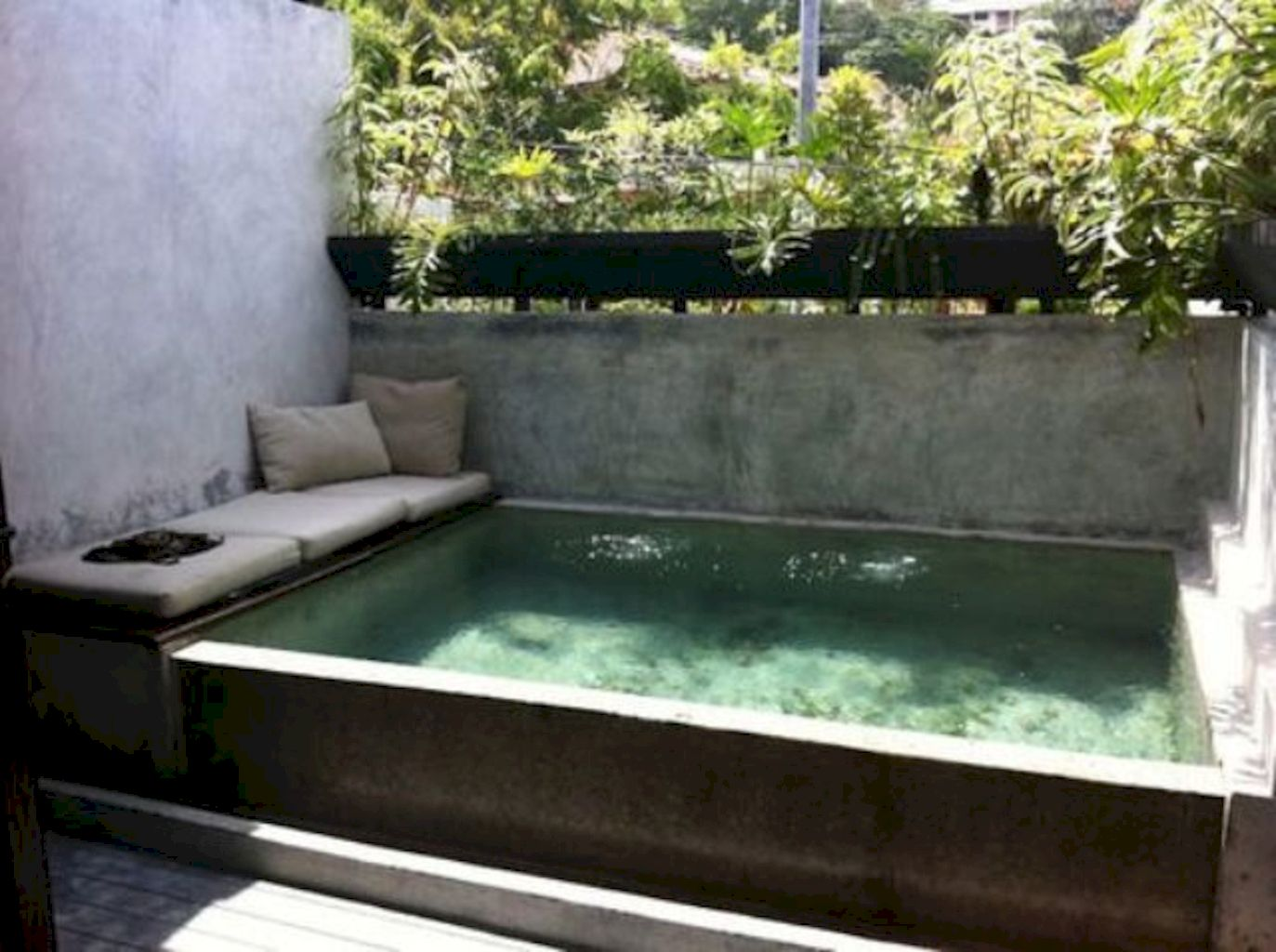 Simple pool designs built above ground designed with cheap materials for simple outdoor relieves Image 15